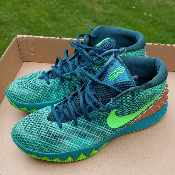 sports shoes c83b4 11f32 reduced nike kyrie 1 final jogger 8d426 a8c22